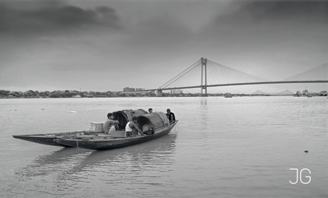 Bridges and the boats   #blackandwhite  #photography