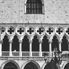 black blackandwhite architecture geometric