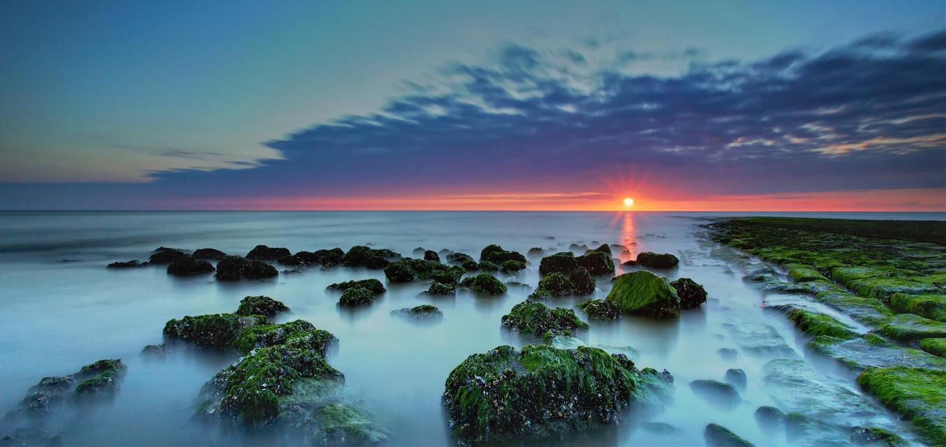 Crab Sunset, Callantsoog, Netherlands If you like my work, follow me www.facebook.com/Aperture.8.Lichtmomente/ #landscape landscape #landscapephotography #landscape_captures #landscape_lovers #naturephotography #nature nature
